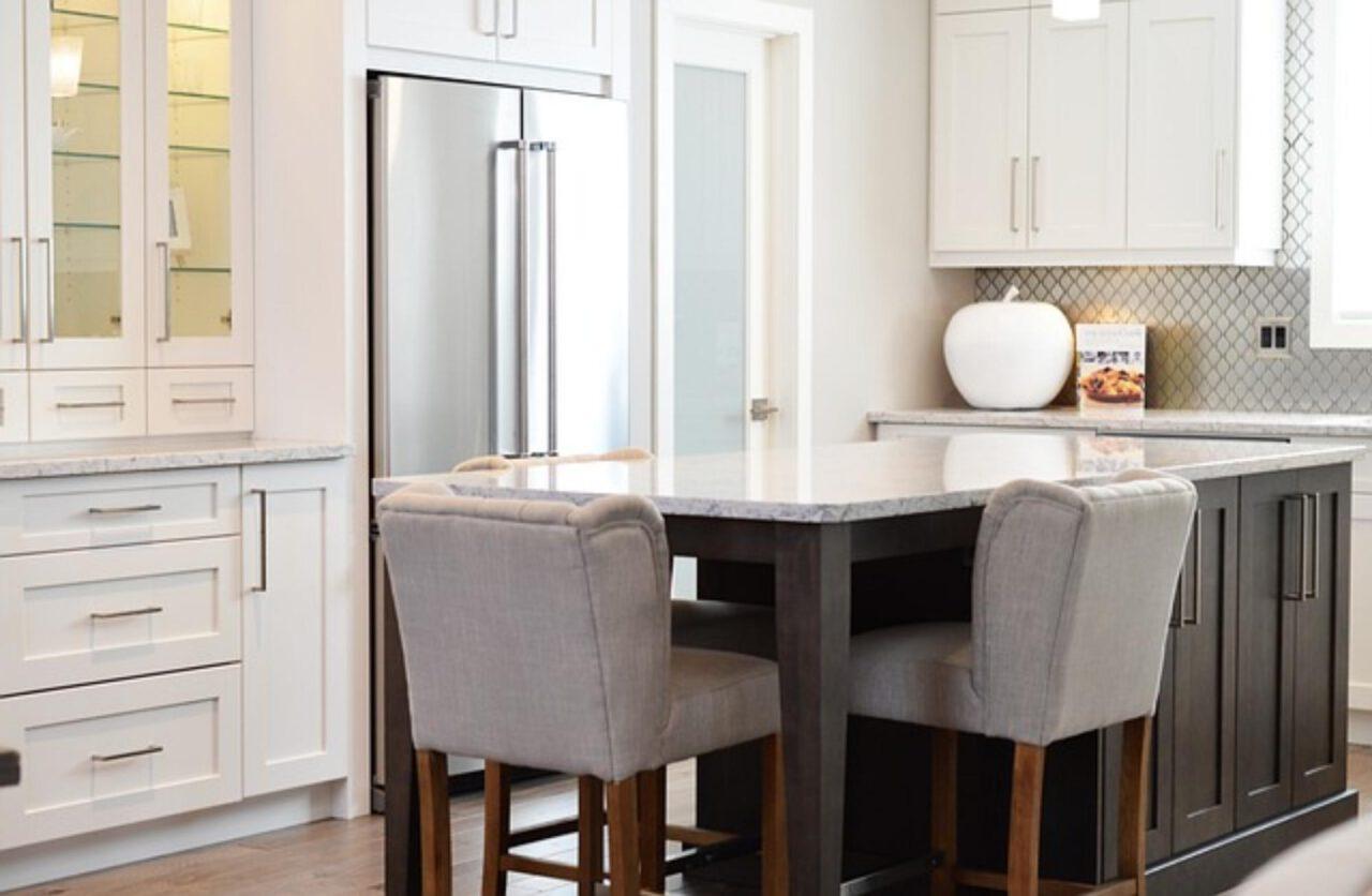 Odnawianie mebli kuchennych w domu