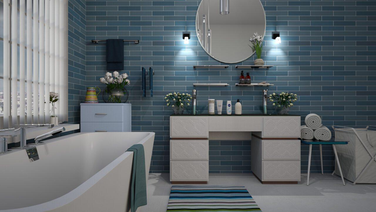 Szklane płytki mozaiki – jak je wykorzystać w łazienkowym projekcie?